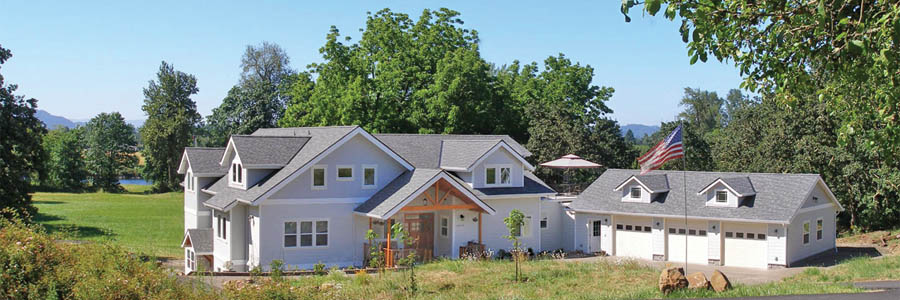 McKenzie Orchards B&B in summer overlooking the McKenzie River near Eugene Oregon.